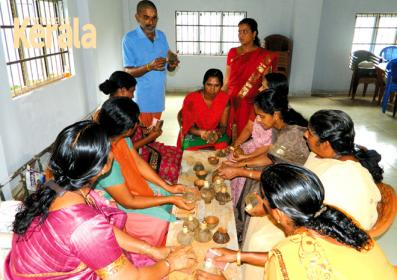 K_Parameswaran with_Kera Craft members