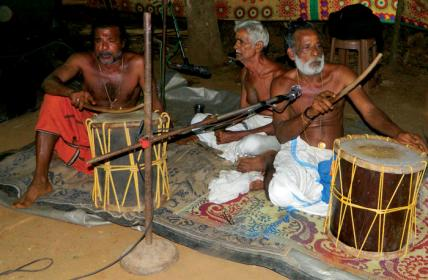 Thottam pattu with percussion music Para