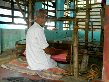 Weavers of Kotambu Village